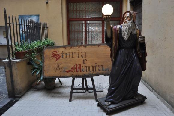 Story & Magicka fantasy store in Rome