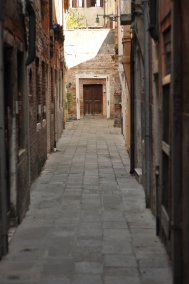 Alleyway in Venice. One of many thousands.