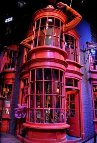 Set detail - Weasleys' wizard wheezes in Diagon alley
