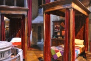 Sets - Gryffindor boys' dorm room