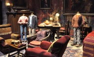 Sets - Gryffindor common room with costumes for Hermoine, Harry and Ron